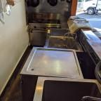 横浜市瀬谷区より食堂の厨房機器一式を買取致しました